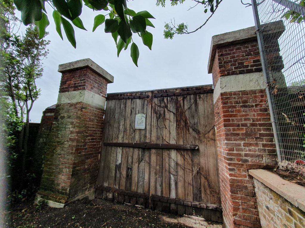 Wooden gates at Bastion 1